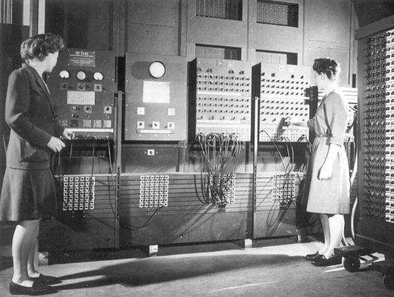 """Kobiety do klawiatury. O """"Pionierkach Internetu"""" Claire L. Evans"""